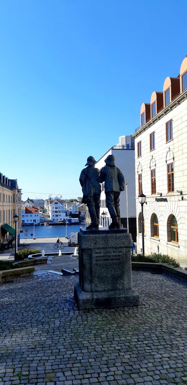 Haugesund fishermen statue